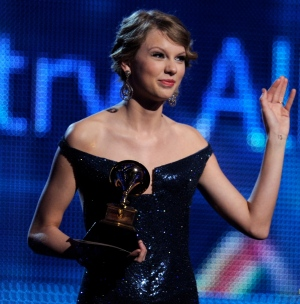 taylor-swift-2010-grammys-09