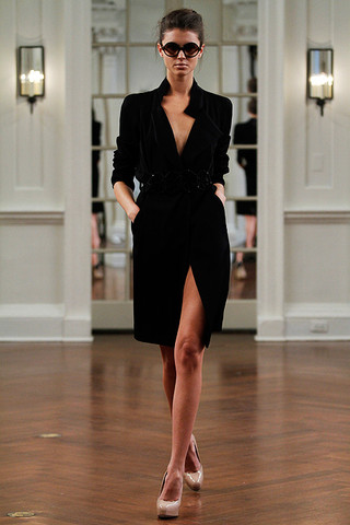 victoria beckham dresses collection. to hate Victoria Beckham#39;s